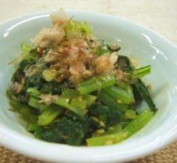 小松菜の麺つゆ和え